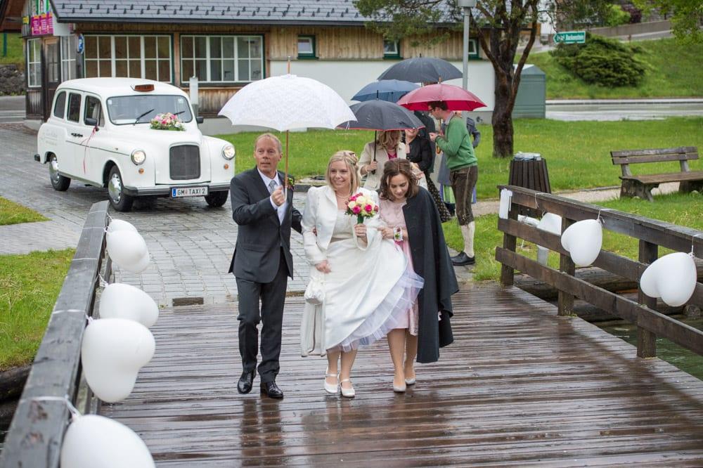 Braut mit Vater, Grundlsee, Steinernes Meer, Ausseerland, Hochzeit in den Bergen, Hochzeitsshooting, Hochzeitsfotograf, Wedding, Wedding Photographer, Land Salzburg, Lorenz Masser