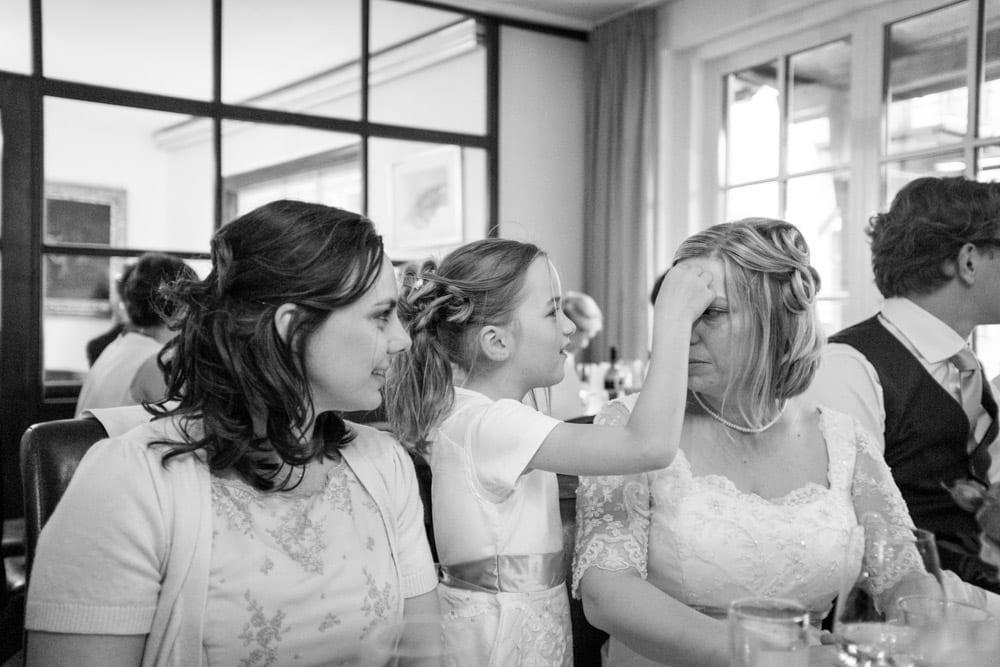Brautpaar mit Freunden, Grundlsee, Steinernes Meer, Ausseerland, Hochzeit in den Bergen, Hochzeitsshooting, Hochzeitsfotograf, Wedding, Wedding Photographer, Land Salzburg, Lorenz Masser