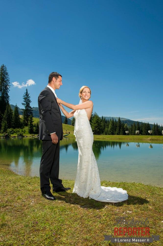 Brautpaar am See, Hochnössler, Altenmarkt,  Hochzeit in den Bergen, Hochzeitsshooting, Hochzeitsfotograf, Wedding, Wedding Photographer, Land Salzburg, Lorenz Masser