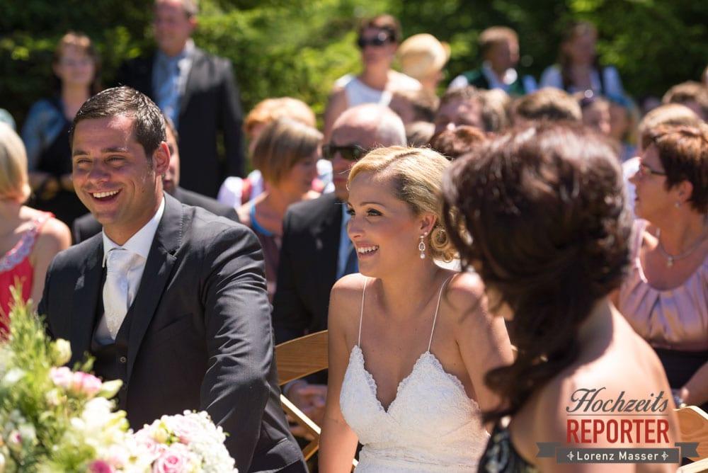 Brautpaar bei der Trauung, Hochnössler, Altenmarkt,  Hochzeit in den Bergen, Hochzeitsshooting, Hochzeitsfotograf, Wedding, Wedding Photographer, Land Salzburg, Lorenz Masser