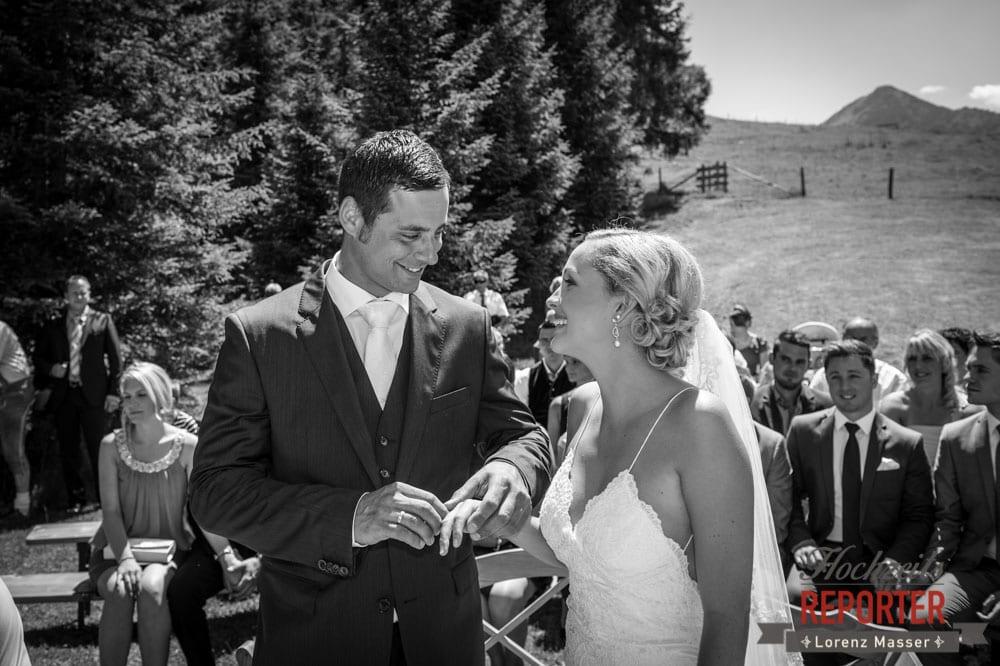 Ringwechsel, Ringtausch, Hochnössler, Altenmarkt,  Hochzeit in den Bergen, Hochzeitsshooting, Hochzeitsfotograf, Wedding, Wedding Photographer, Land Salzburg, Lorenz Masser