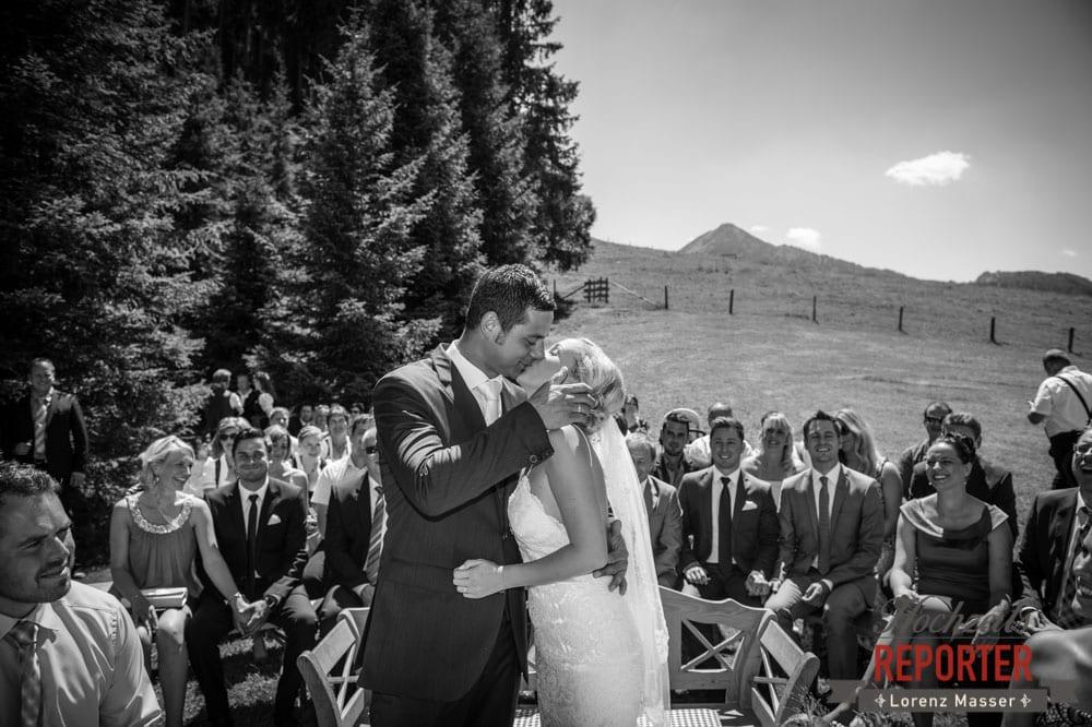 Kuss, Trauung, Hochnössler, Altenmarkt,  Hochzeit in den Bergen, Hochzeitsshooting, Hochzeitsfotograf, Wedding, Wedding Photographer, Land Salzburg, Lorenz Masser