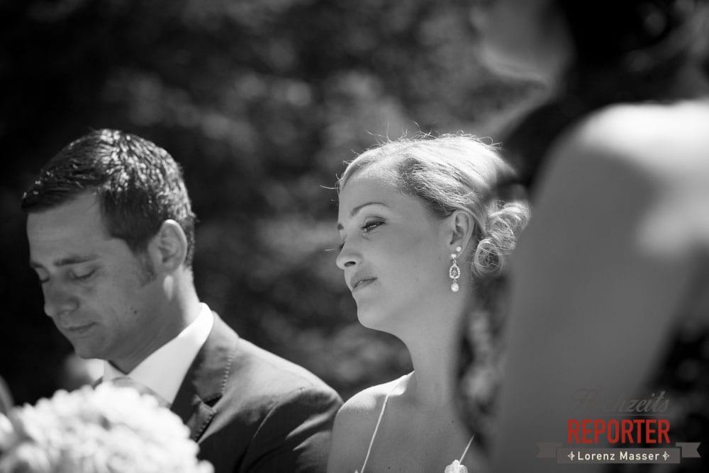 Braut bei der Trauung, Hochnössler, Altenmarkt,  Hochzeit in den Bergen, Hochzeitsshooting, Hochzeitsfotograf, Wedding, Wedding Photographer, Land Salzburg, Lorenz Masser