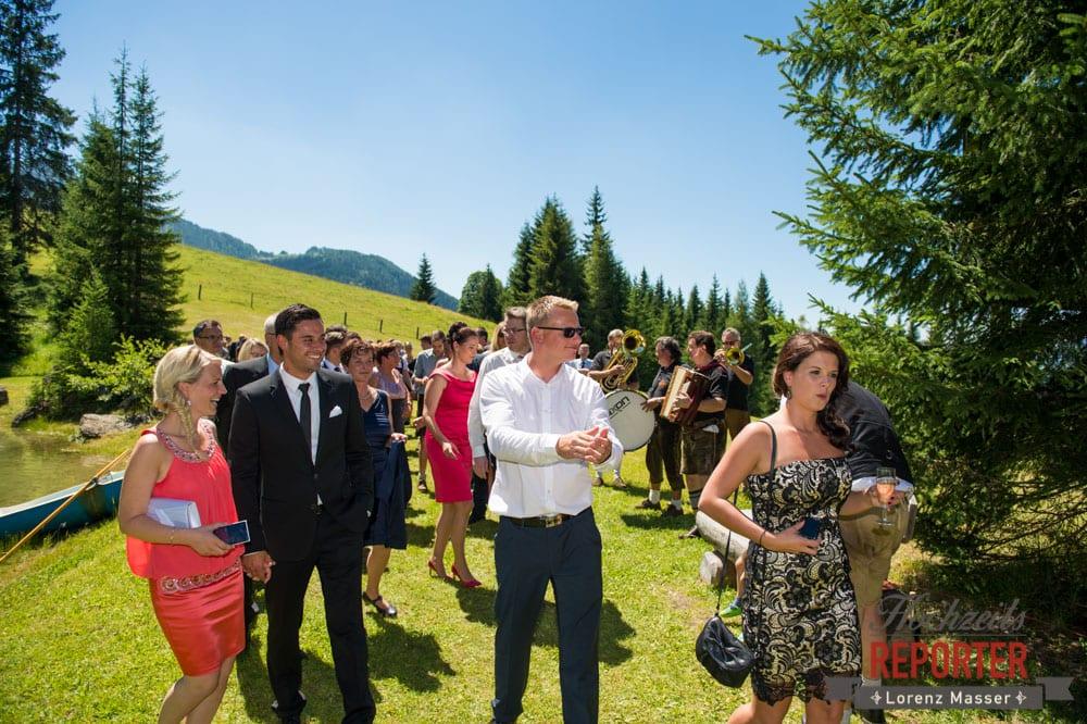 Hochzeitsgesellschaft, Hochnössler, Altenmarkt,  Hochzeit in den Bergen, Hochzeitsshooting, Hochzeitsfotograf, Wedding, Wedding Photographer, Land Salzburg, Lorenz Masser
