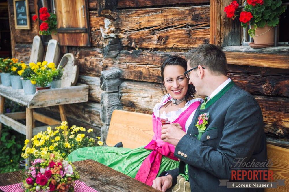 Schnaps, Brautpaar, Alm,  Hochzeit in den Bergen, Tauernkarleitenalm, Radstadt, Hochzeitsshooting, Hochzeitsfotograf, Wedding, Wedding Photographer, Land Salzburg, Lorenz Masser