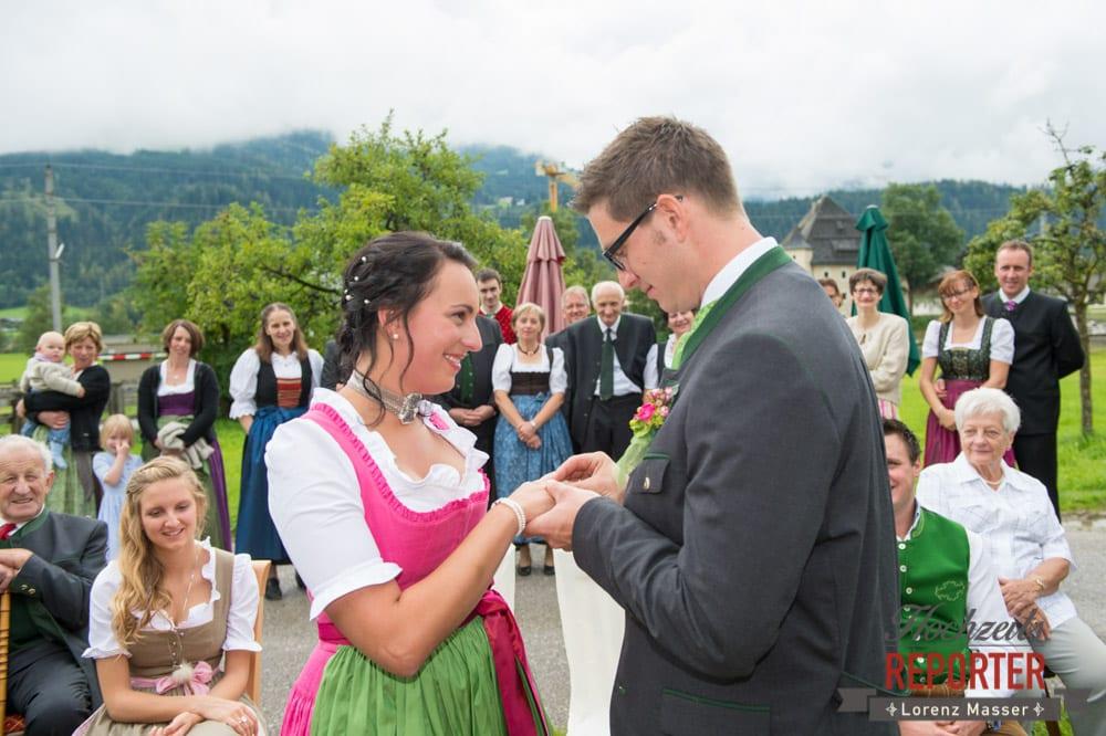 Ringtausch, Ringwechsel,  Hochzeit in den Bergen, Tauernkarleitenalm, Radstadt, Hochzeitsshooting, Hochzeitsfotograf, Wedding, Wedding Photographer, Land Salzburg, Lorenz Masser
