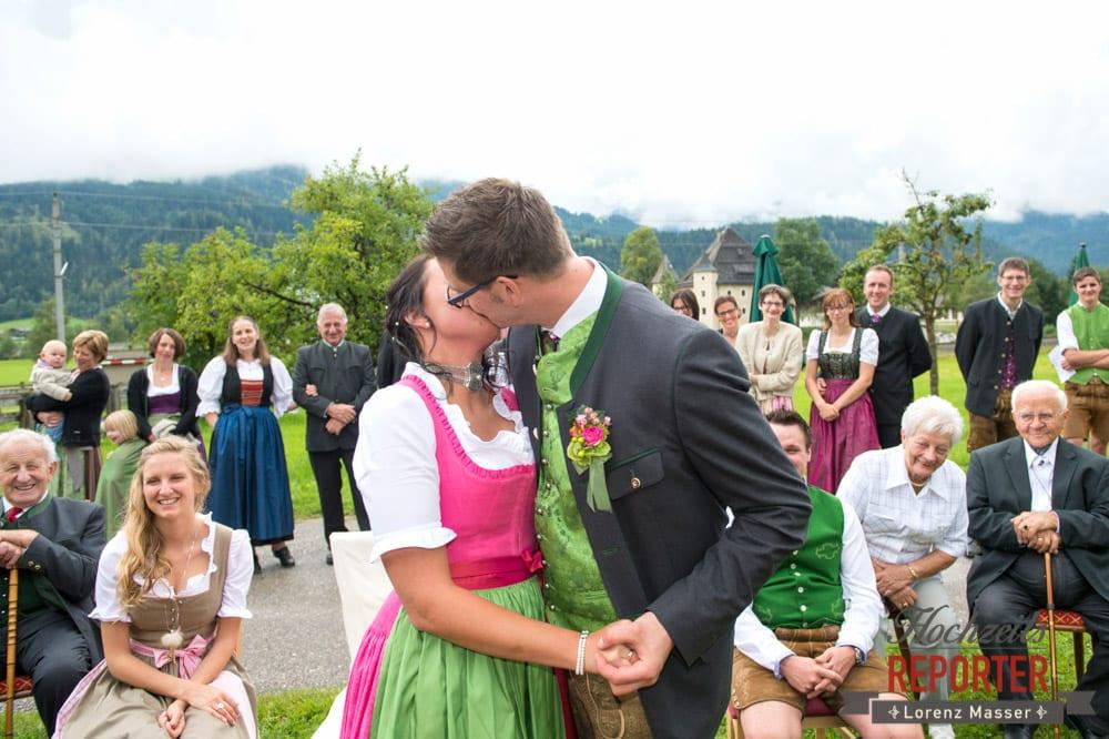 Kuss, Trauung,  Hochzeit in den Bergen, Tauernkarleitenalm, Radstadt, Hochzeitsshooting, Hochzeitsfotograf, Wedding, Wedding Photographer, Land Salzburg, Lorenz Masser