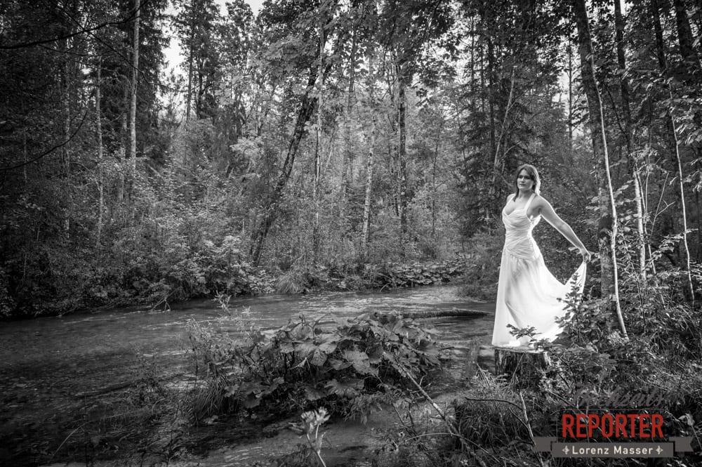 Braut am See, Portrait, Trash the Dress, Brautpaar, Hochzeits shooting, Hochzeitsfotograf, Wedding Photographer, Grundlsee, Land Salzburg, Lorenz Masser