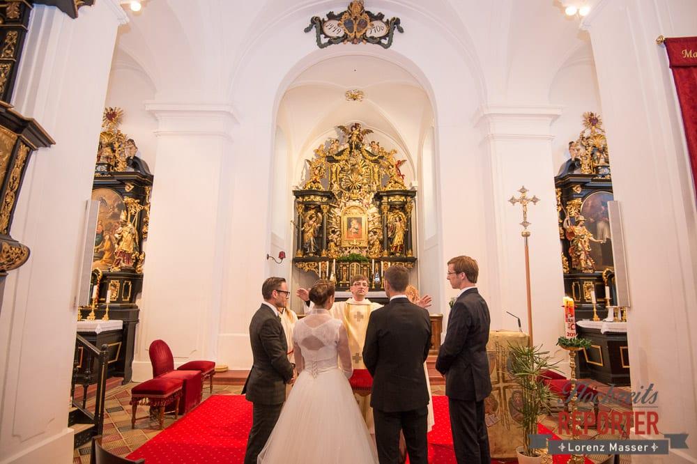 Trauung, Pfarrer, Kirchliche Trauung, Schloss Mondsee, Hochzeit, Wedding, Wedding Photographer, Land Salzburg, Lorenz Masser