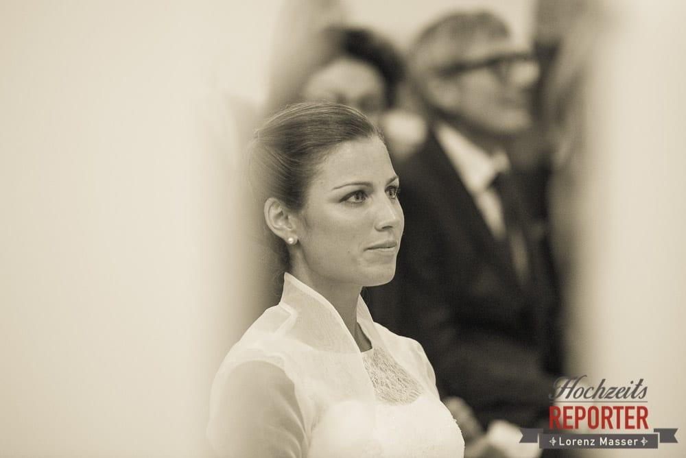 Braut, Schloss Mondsee, Hochzeit, Wedding, Wedding Photographer, Land Salzburg, Lorenz Masser