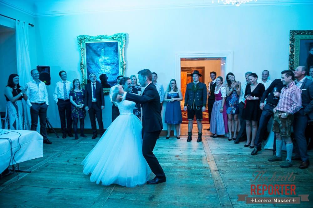 Brautpaar, Tanz, Schloss Mondsee, Hochzeit, Wedding, Wedding Photographer, Land Salzburg, Lorenz Masser