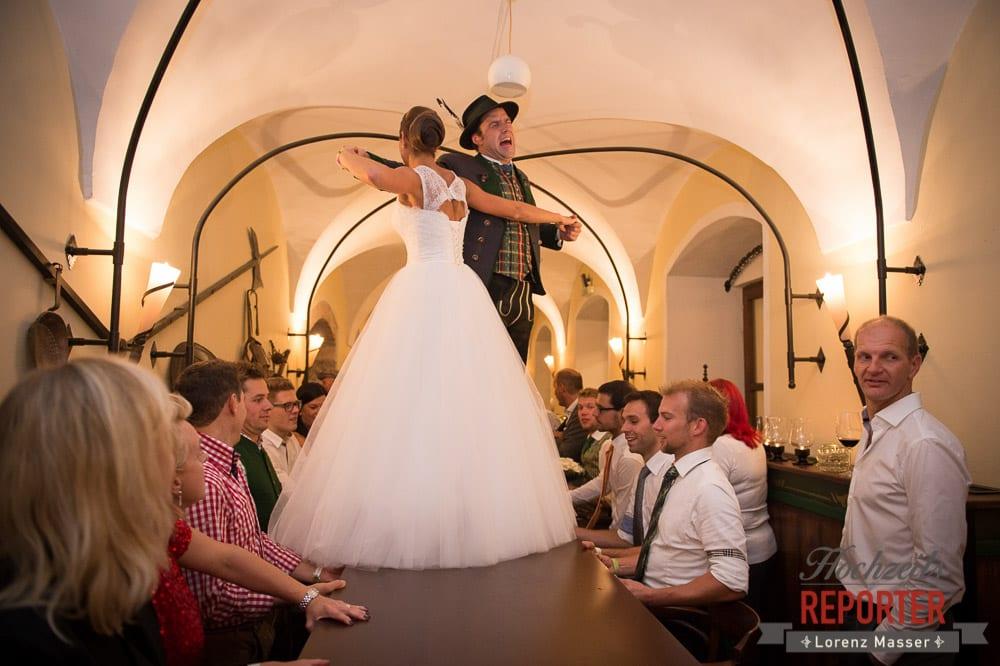 Brautstehlen, Schloss Mondsee, Hochzeit, Wedding, Wedding Photographer, Land Salzburg, Lorenz Masser