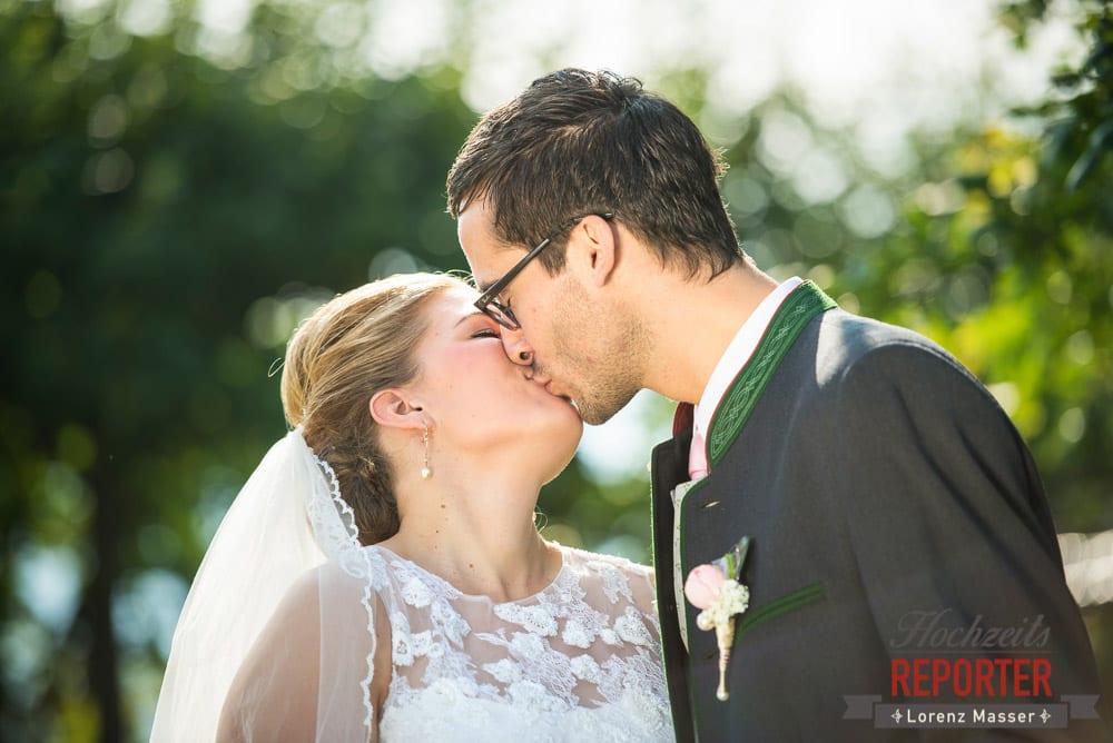 Kuss, Brautpaar, Portrait, Winterbauer, Altenmarkt, Wedding, Wedding Photographer, Hochzeitsfotograf, Land Salzburg, Lorenz Masser