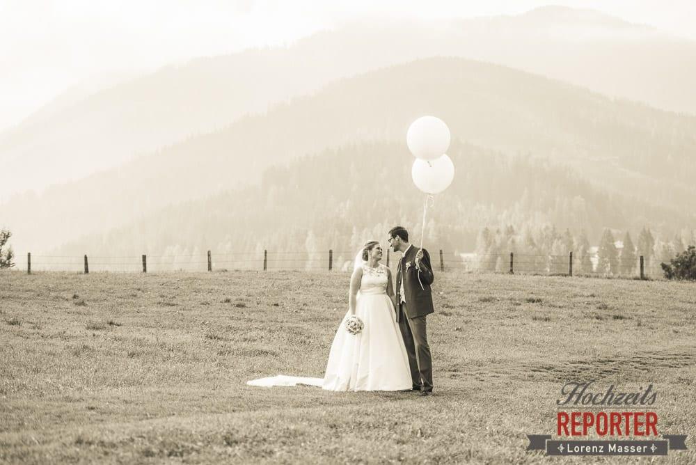 Brautpaar, Luftballone, Winterbauer, Altenmarkt, Wedding, Wedding Photographer, Hochzeitsfotograf, Land Salzburg, Lorenz Masser