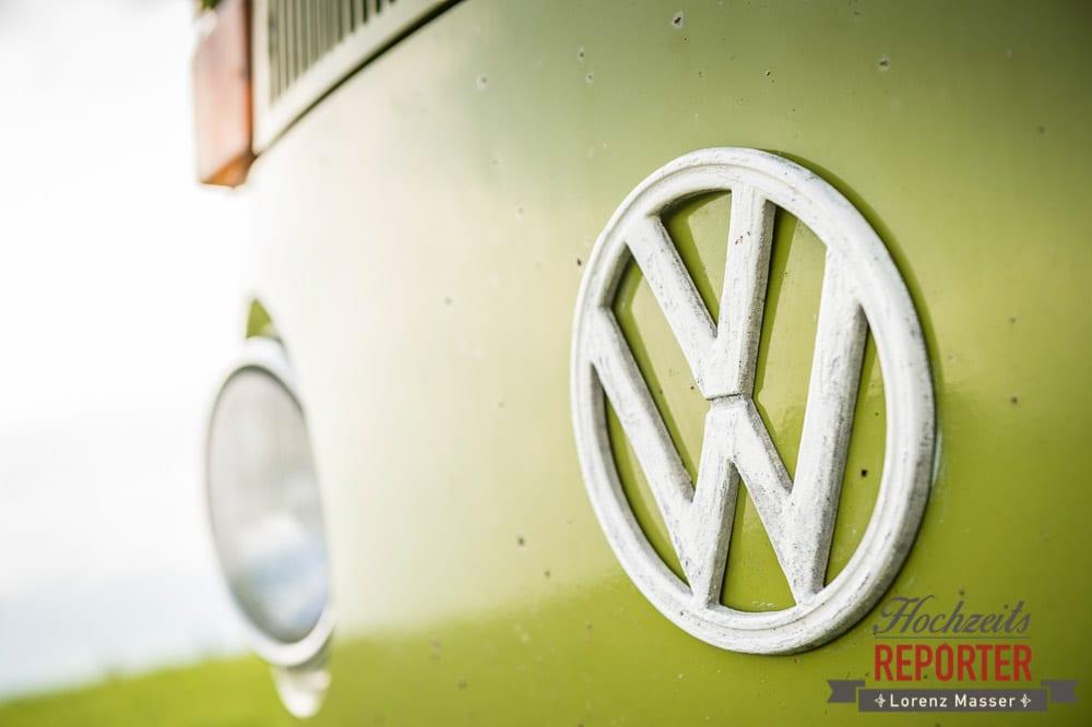 Logo VW, grüner VW Bus im detail, Winterbauer, Altenmarkt, Wedding, Wedding Photographer, Hochzeitsfotograf, Land Salzburg, Lorenz Masser