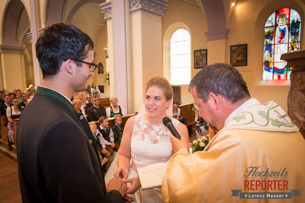 Braut bei Trauung, Winterbauer, Altenmarkt, Wedding, Wedding Photographer, Hochzeitsfotograf, Land Salzburg, Lorenz Masser