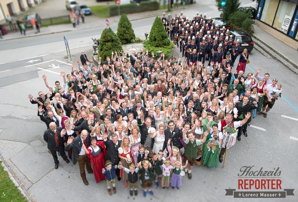 große Hochzeitsgesellschaft von Oben Fotografiert, Winterbauer, Altenmarkt, Wedding, Wedding Photographer, Hochzeitsfotograf, Land Salzburg, Lorenz Masser