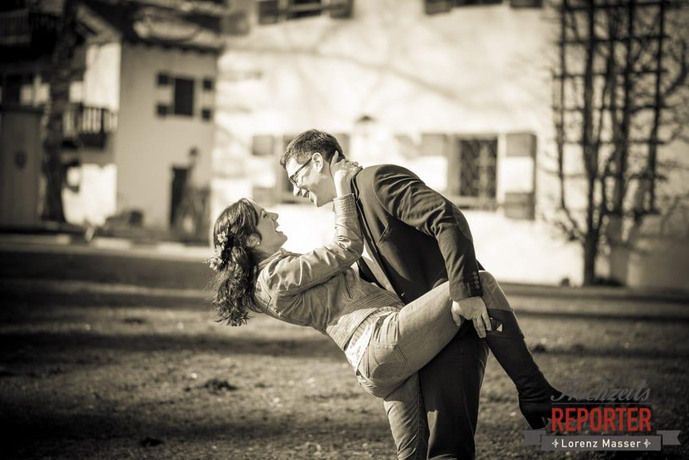 Brautpaar macht Spaß, Engagement Shooting, Verlobungs Shooting, Schloss Prielau, Zell am See, Land Salzburg, Fotograf, Hochzeitsfotograf,Verlobung,  Hochzeit, Lorenz Masser