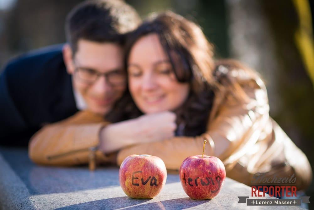 Apfel, Paar, Engagement Shooting, Verlobungs Shooting, Schloss Prielau, Zell am See, Land Salzburg, Fotograf, Hochzeitsfotograf,Verlobung,  Hochzeit, Lorenz Masser