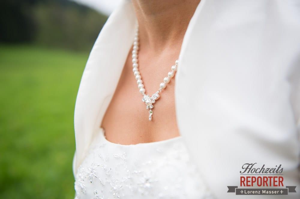 Perlenkette im Detail, Radstadt, Hochzeitsfotograf, Wedding Photographer,Land Salzburg,  Lorenz Masser