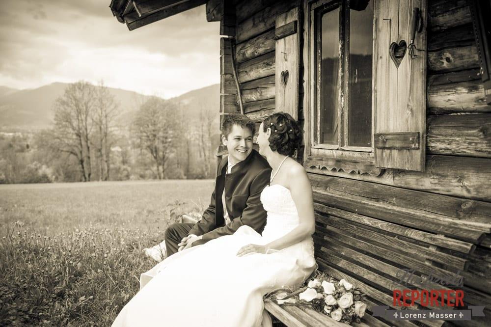 Brautpaar schaut sich in die Augen, Radstadt, Hochzeitsfotograf, Wedding Photographer,Land Salzburg,  Lorenz Masser