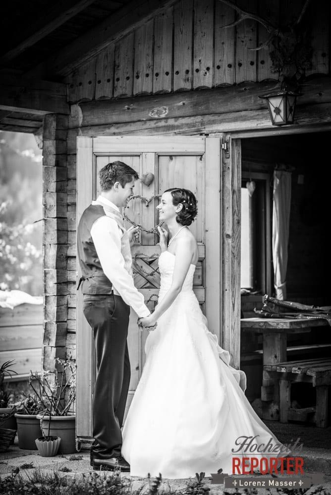 Brautpaar mit Herz, Fotoshooting, Radstadt, Hochzeitsfotograf, Wedding Photographer,Land Salzburg,  Lorenz Masser