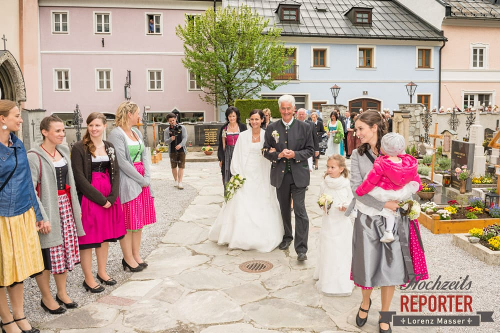 Gang in die Kirche, Radstadt, Hochzeitsfotograf, Wedding Photographer,Land Salzburg,  Lorenz Masser
