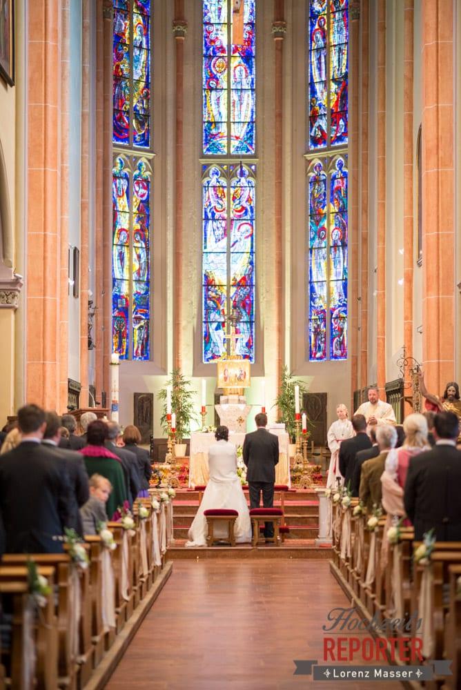 Brautpaar in Kirche, Hochzeitsgesellschaft, Radstadt, Hochzeitsfotograf, Wedding Photographer,Land Salzburg,  Lorenz Masser