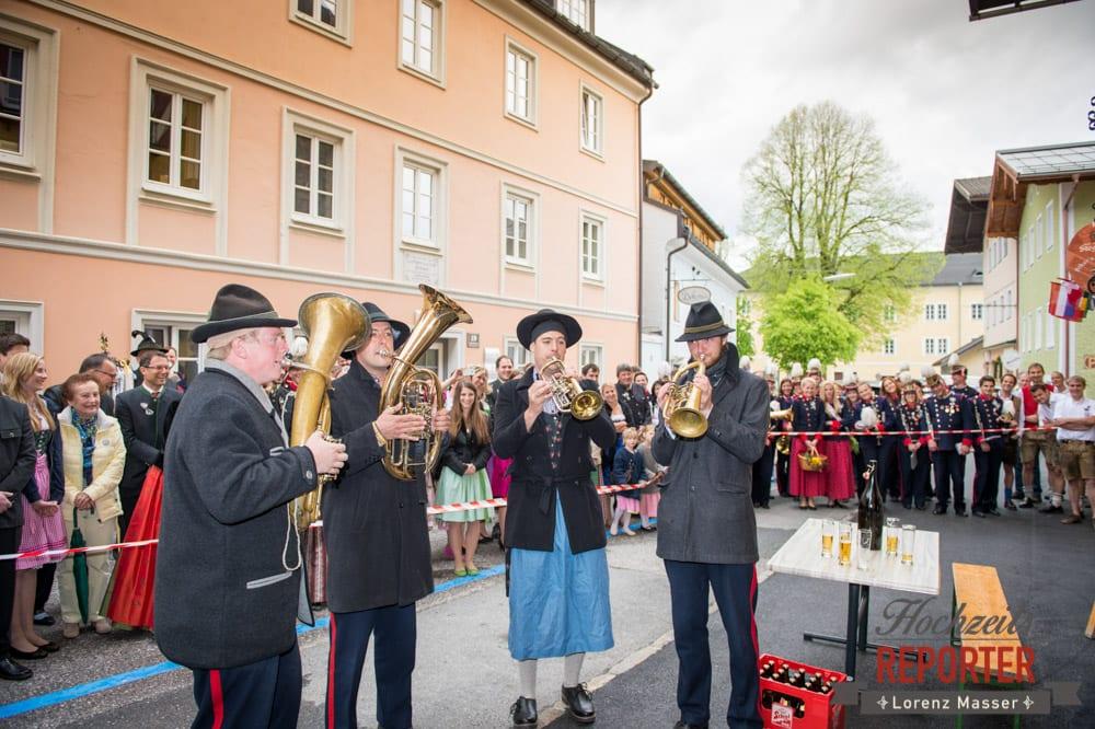 Gaudi nach der Trauung, Spaß nach der Trauung, Radstadt, Hochzeitsfotograf, Wedding Photographer,Land Salzburg,  Lorenz Masser
