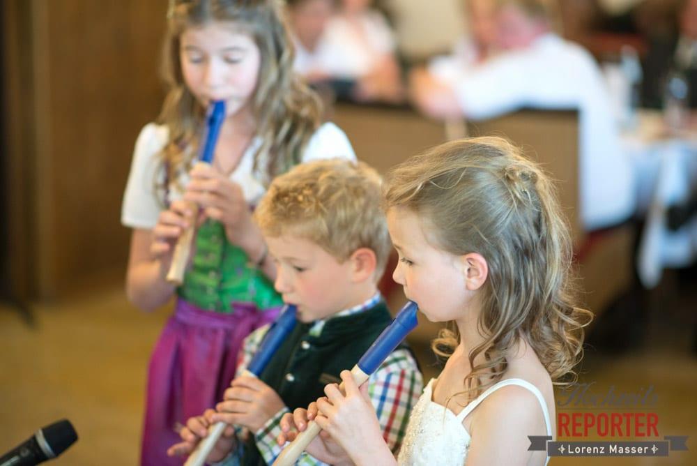 Kinder spielen Flöte bei Hochzeit, Radstadt, Hochzeitsfotograf, Wedding Photographer,Land Salzburg,  Lorenz Masser