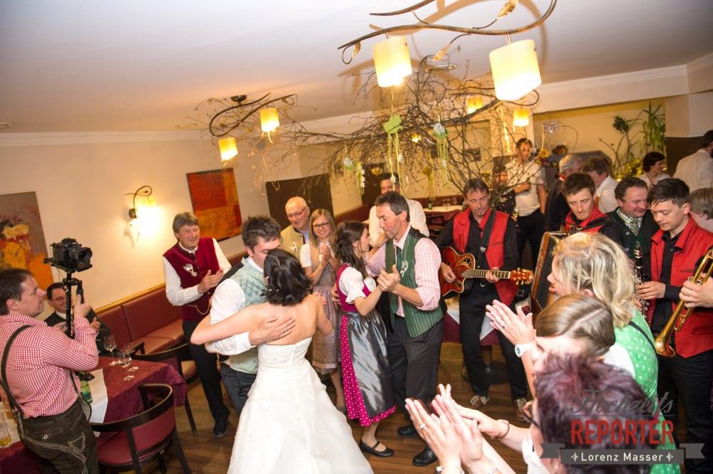 Brautpaar tanzt, Radstadt, Hochzeitsfotograf, Wedding Photographer,Land Salzburg,  Lorenz Masser