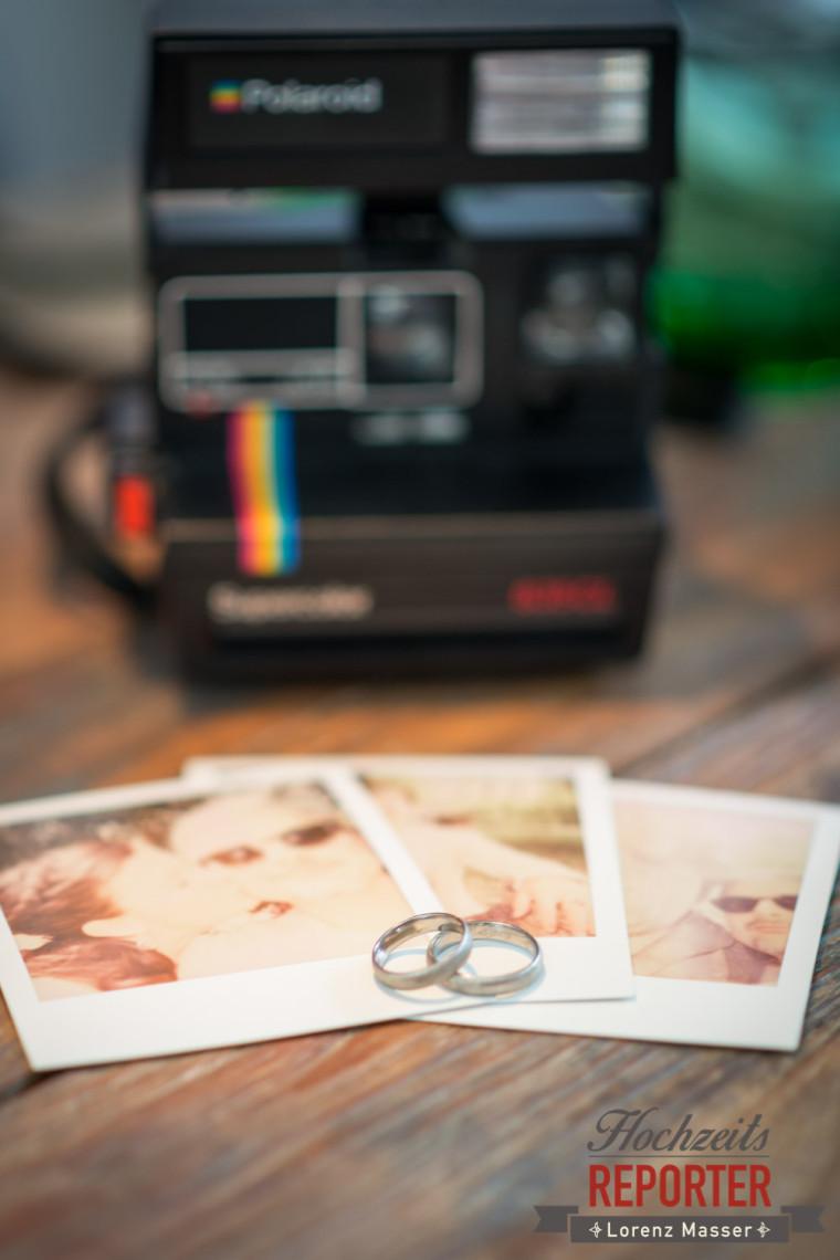 Polaroid Kamera, Ringe, Fotos, Kapuzienerberg, Altstadt Salzburg, Hochzeit, Hochzeitsfotograf, Wedding, Wedding Photographer,Fotograf Land Salzburg, Lorenz Masser