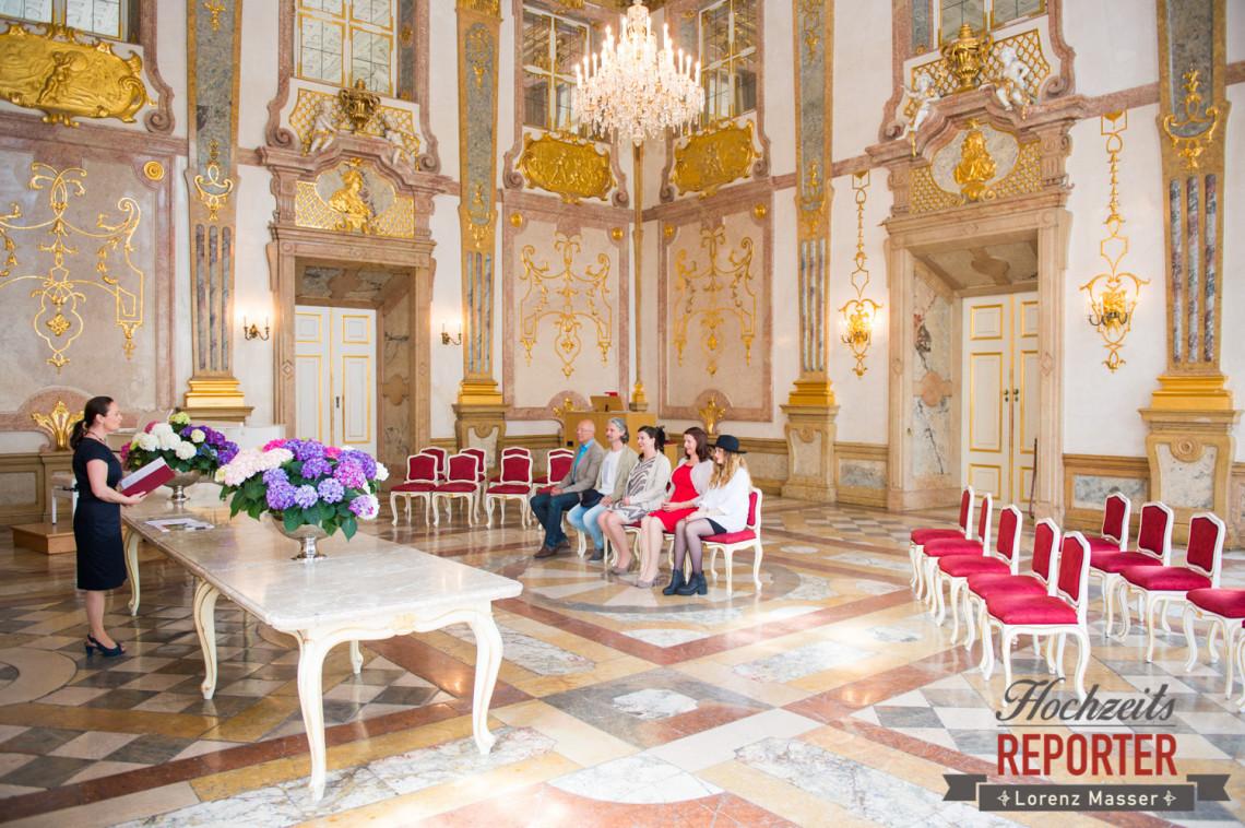 Trauung im kleinen Kreis, Hochzeit im Schloss Mirabell, Schloss Mirabell, Altstadt Salzburg, Hochzeit, Hochzeitsfotograf, Wedding, Hochzeitsshooting, Wedding Photographer,Fotograf Land Salzburg, Lorenz Masser