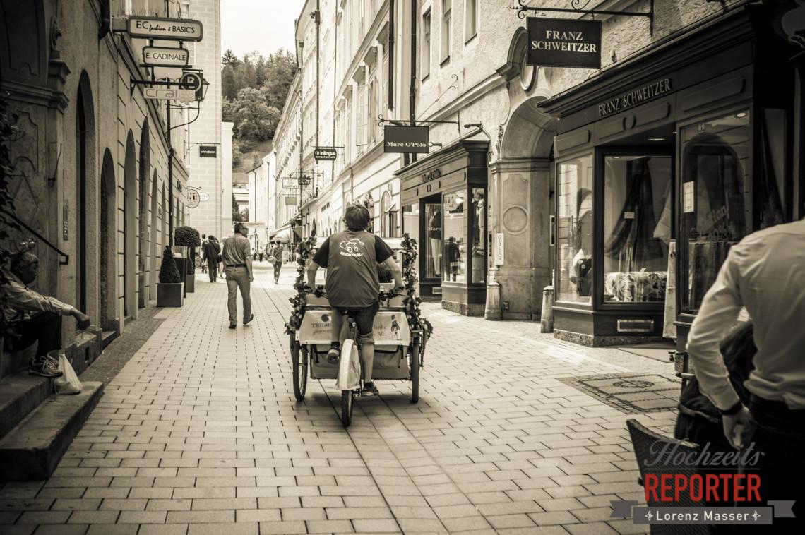 Mit Rischka durch die Altstadt, Schloss Mirabell, Altstadt Salzburg, Hochzeit, Hochzeitsfotograf, Wedding, Hochzeitsshooting, Wedding Photographer,Fotograf Land Salzburg, Lorenz Masser