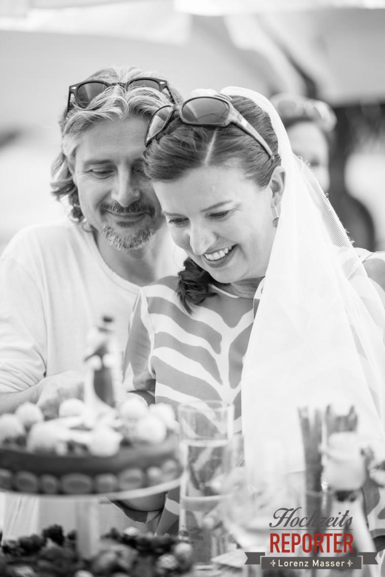 Anschneiden der Hochzeitstorte, Portrait des Brautpaares, Schloss Mirabell, Altstadt Salzburg, Hochzeit, Hochzeitsfotograf, Wedding, Hochzeitsshooting, Wedding Photographer,Fotograf Land Salzburg, Lorenz Masser