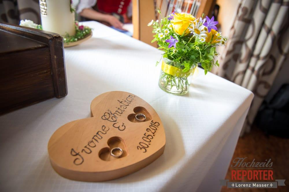Ringaufbehalter in Ringform, Hochzeit, Schloss Mittersill, Mittersill, Hochzeit, Hochzeitsfotograf, Wedding Photographer,Fotograf Land Salzburg, Lorenz Masser