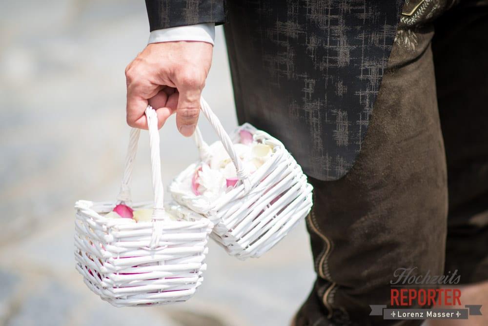 Körbe voller Rosenblüten, Hochzeit, Schloss Mittersill, Mittersill, Hochzeit, Hochzeitsfotograf, Wedding Photographer,Fotograf Land Salzburg, Lorenz Masser