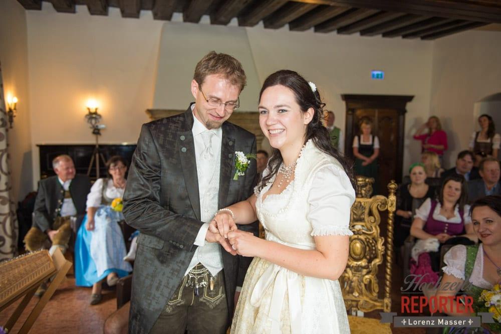Ringtausch, Ringwechsel, Hochzeit, Schloss Mittersill, Mittersill, Hochzeit, Hochzeitsfotograf, Wedding Photographer,Fotograf Land Salzburg, Lorenz Masser