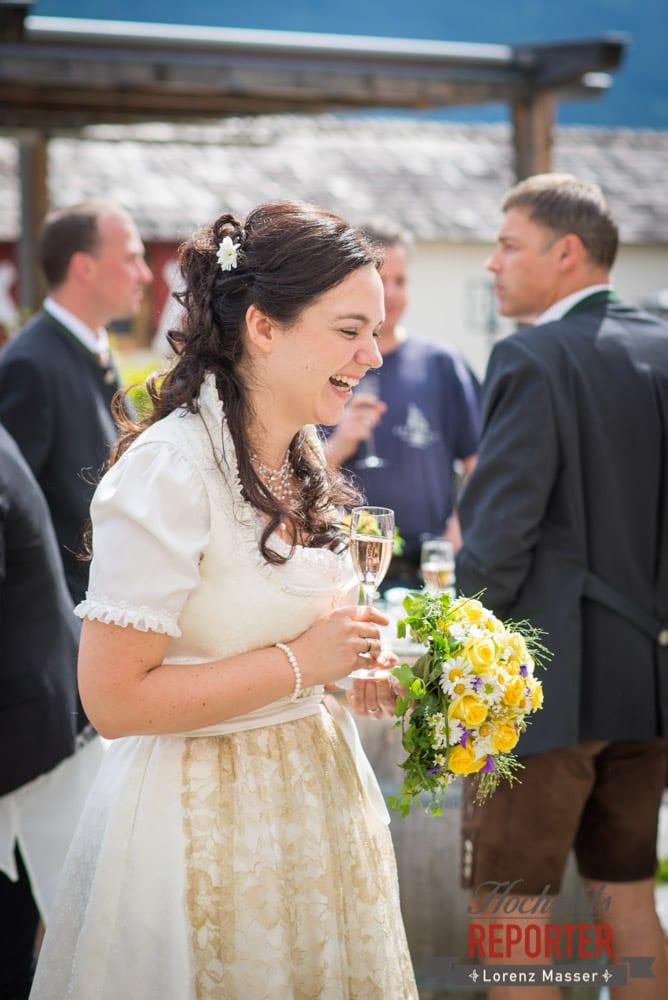 Braut lacht, Hochzeit, Schloss Mittersill, Mittersill, Hochzeit, Hochzeitsfotograf, Wedding Photographer,Fotograf Land Salzburg, Lorenz Masser