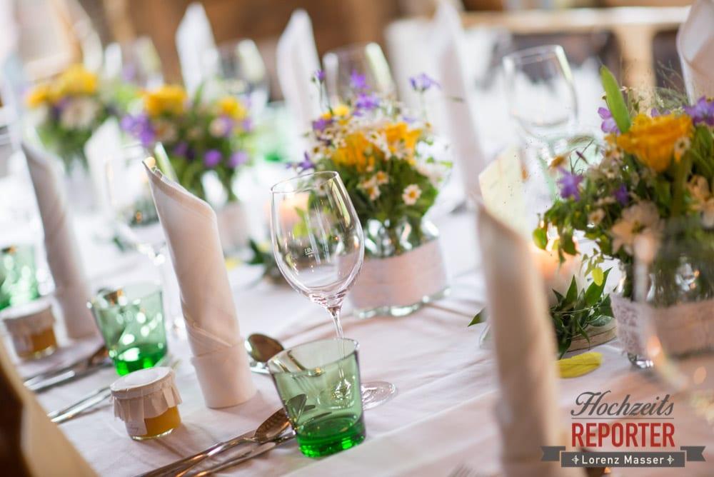 Tischdeko, Wein, Detail, Alm, Toni Alm, Hochzeit, Mittersill, Hochzeit, Hochzeitsfotograf, Wedding Photographer,Fotograf Land Salzburg, Lorenz Masser
