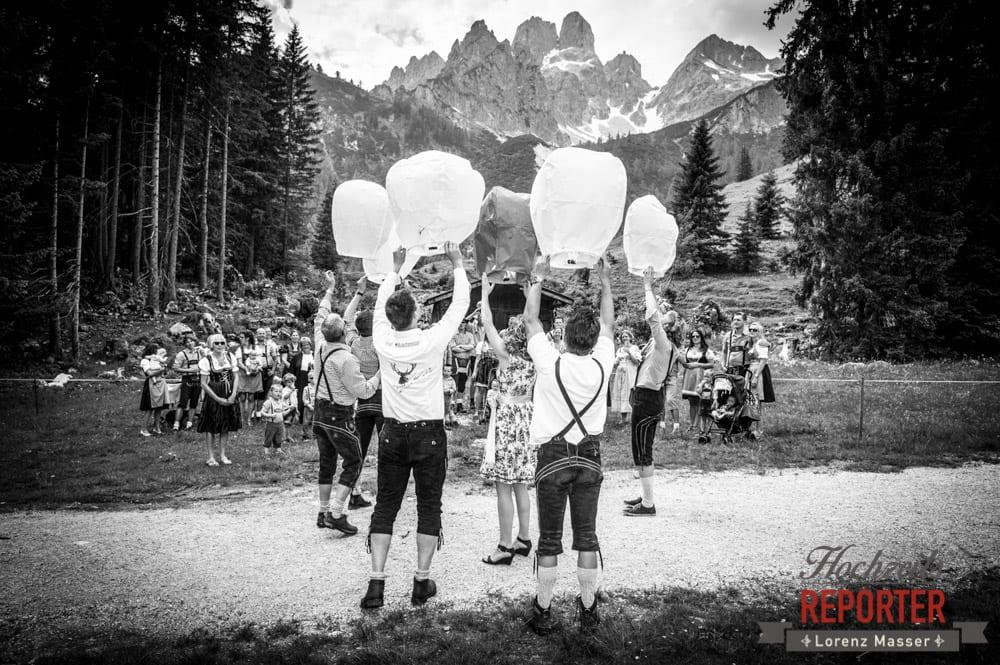 Wunschlichter fliegen lassen, Hochzeitsbrauch, Bischofsmütze, Filzmoos, Hochzeitsfotograf, Wedding Photographer,Land Salzburg, Lorenz Masser
