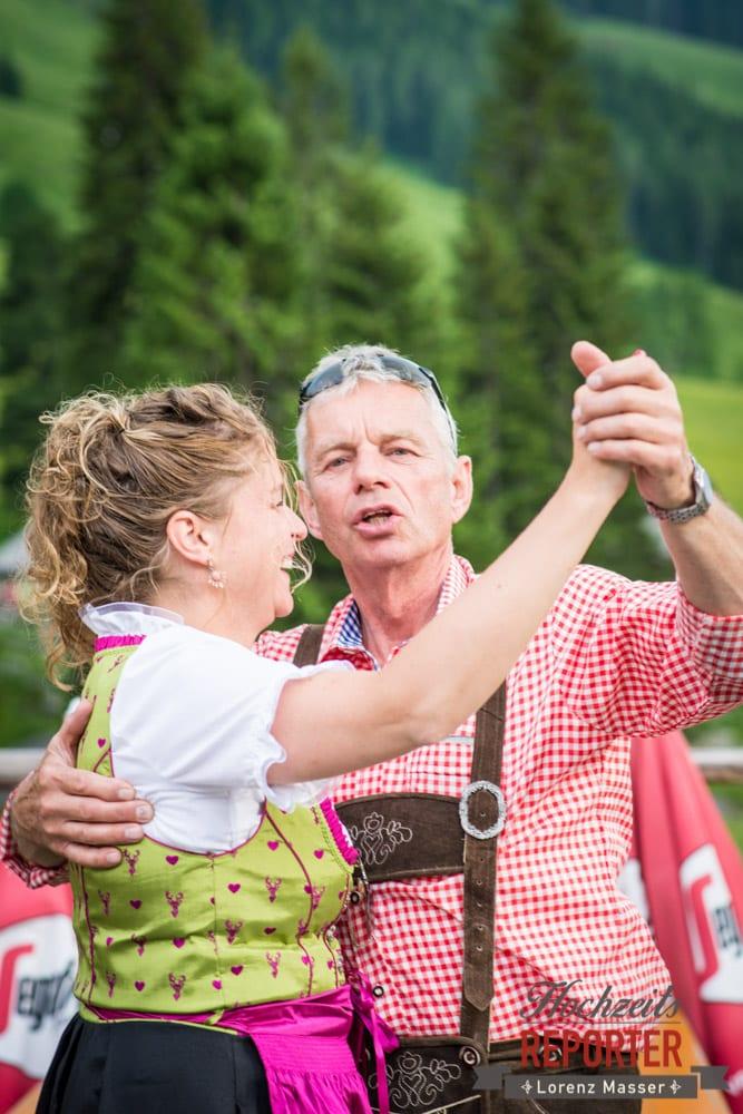 Eltern von Braut tanzen, Filzmoos, Hochzeitsfotograf, Wedding Photographer,Land Salzburg, Lorenz Masser