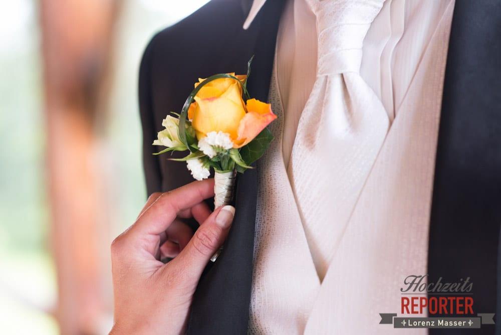 Anstecker zur Hochzeit auf Anzug, Radstadt, Wedding Photographer, Hochzeit,Hochzeitsfotograf, Land Salzburg, Lorenz Masser