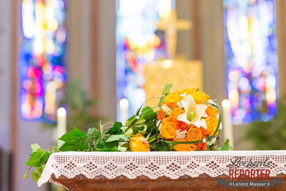 Brautstrauß auf Altar, Radstadt, Wedding Photographer, Hochzeit,Hochzeitsfotograf, Land Salzburg, Lorenz Masser