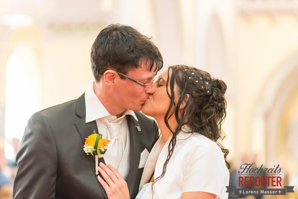 Kuss des Brautpaares, Radstadt, Wedding Photographer, Hochzeit,Hochzeitsfotograf, Land Salzburg, Lorenz Masser