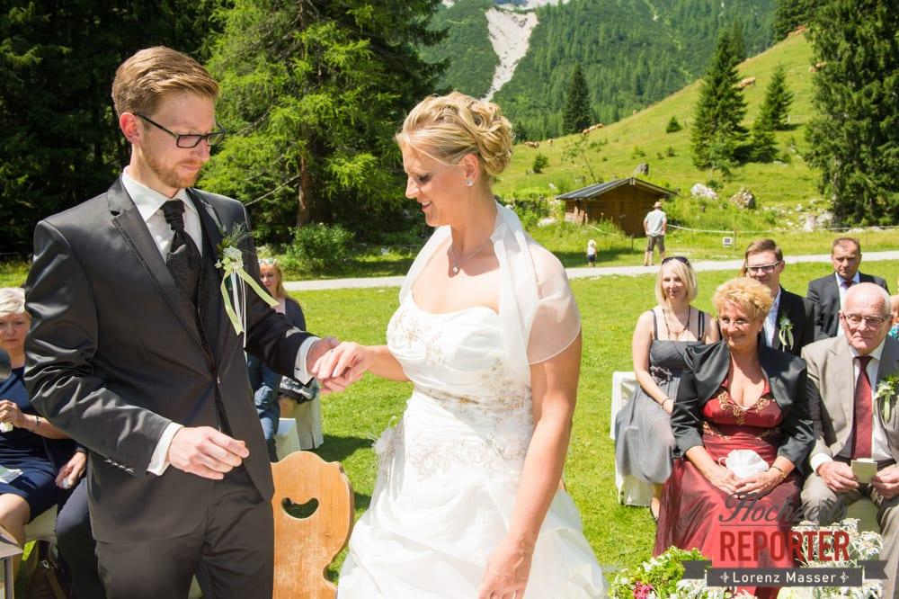 Ringtausch, Unterhofalm, Filzmoos, Hochzeitsfotograf, Wedding Photographer, Lorenz Masser