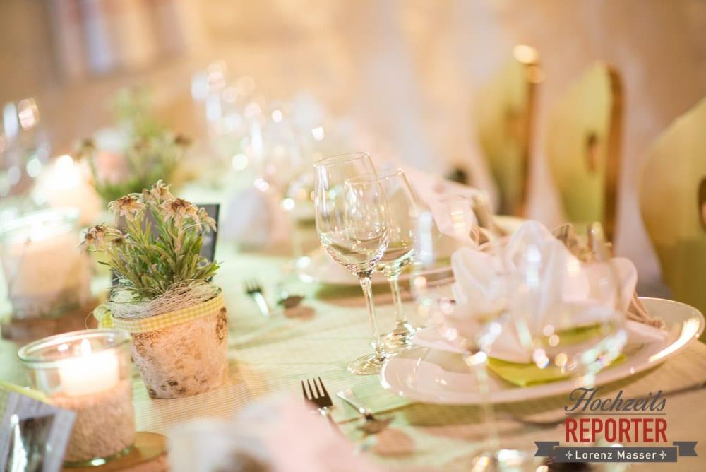 Tischdeko bei Hochzeit, Unterhofalm, Filzmoos, Hochzeitsfotograf, Wedding Photographer, Lorenz Masser