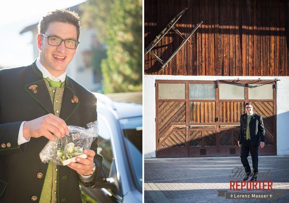 Bräutigam verteilt Blumen, Radstadt, Wedding Photographer, Hochzeit,Hochzeitsfotograf, Land Salzburg, Lorenz Masser