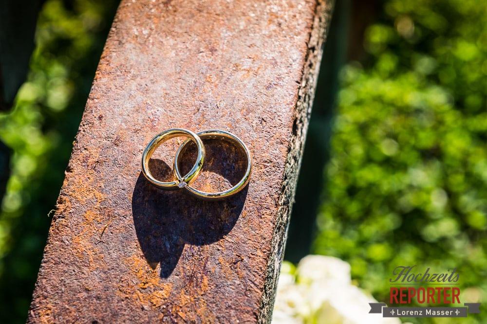Detailfoto der Ringe auf altem Rad, Radstadt, Wedding Photographer, Hochzeit,Hochzeitsfotograf, Land Salzburg, Lorenz Masser