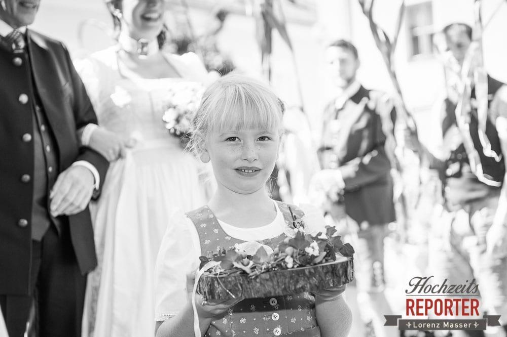 Blumenmädchen mit blonden Haaren, Radstadt, Wedding Photographer, Hochzeit,Hochzeitsfotograf, Land Salzburg, Lorenz Masser